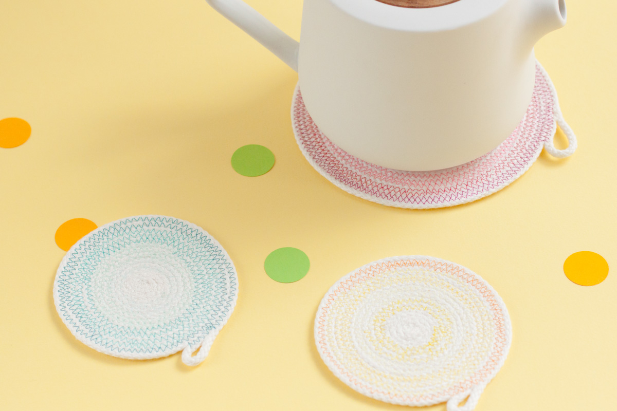 Ombre rope coasters - A simple project for a pretty table setting - www.yeswemadethis.com