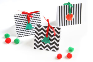 Geometric Christmas Cards - DIY - Simple, but stunning Christmas card tutorial - www.yeswemadethis.com
