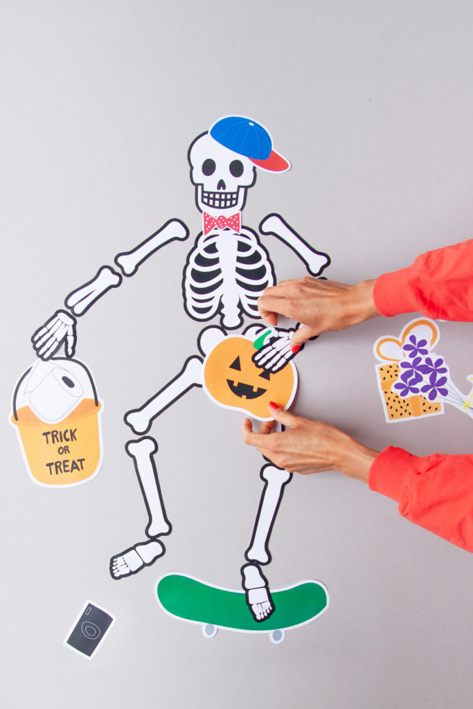 Kids' Halloween paper craft activity
