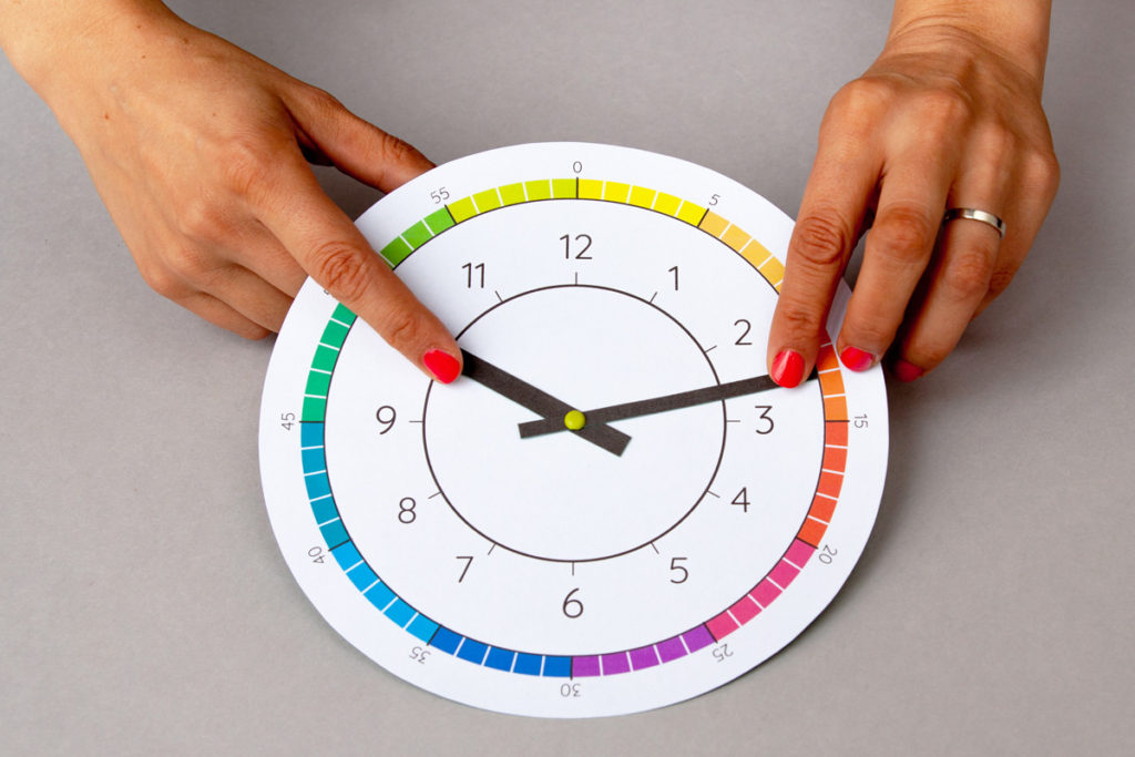 Learn about time with paper clock
