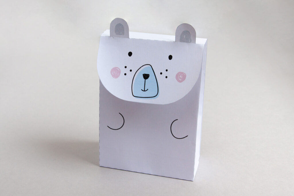 Free printable polar bear gift bag